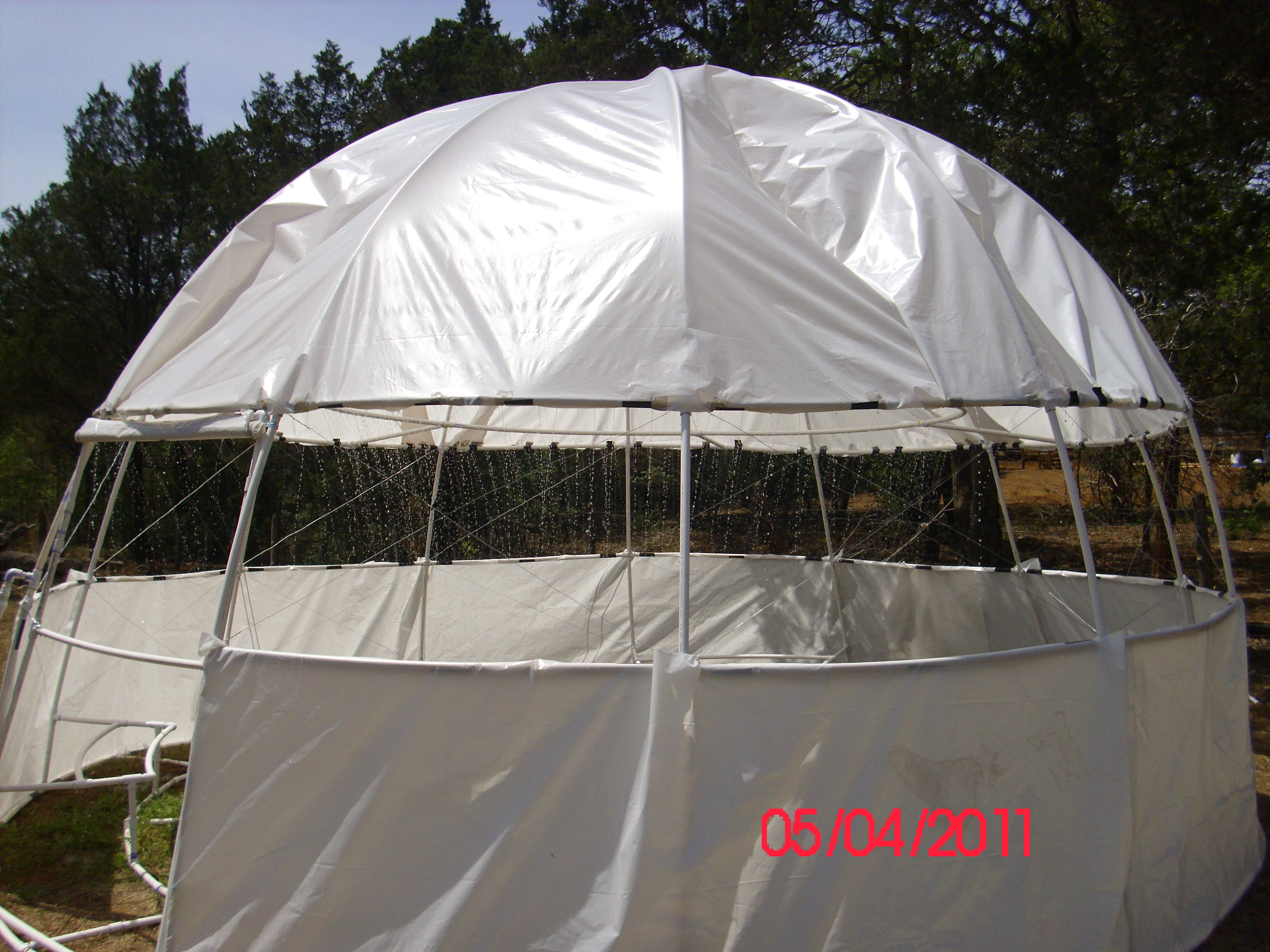 """Do It Yourself Home Design: Pictures Of A """"build It Yourself"""" PVC Dome Greenhouse"""